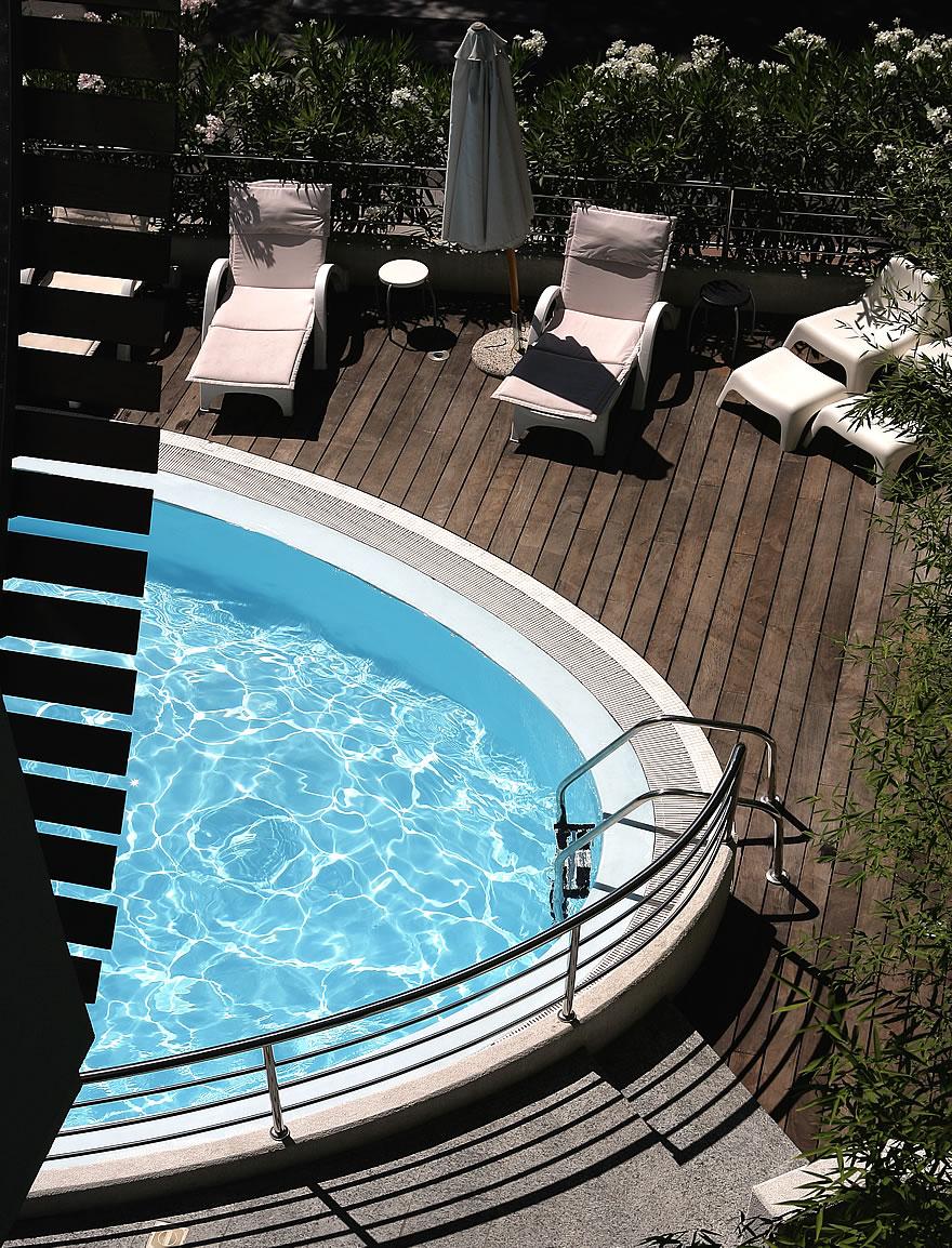 Blick von oben auf den Pool befindet sich in Lignano Pineta